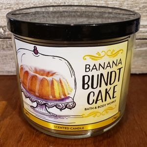 Bath & Body Works Candle • Banana Bundt Cake